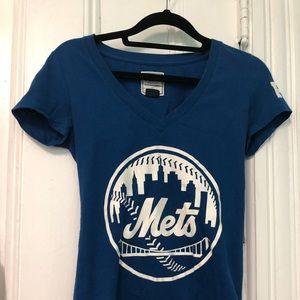 Pink VS Mets T-shirt
